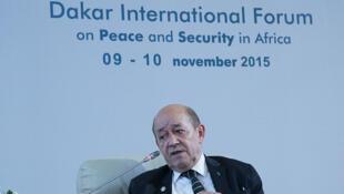 Jean-Yves Le Drian pendant la séance d'ouverture du Forum, lundi matin 9 novembre.