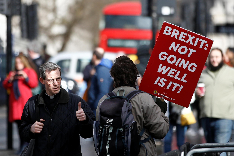 Những người chống Brexit biểu tình phản đối bên ngoài trụ sở Nghị Viện Anh tại Luân Đôn, ngày 14/03/2019.
