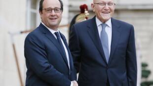 François Hollande accueille le Premier ministre libanais Tammam Salam sur le perron de l'Elysée, le vendredi 12 décembre 2014.