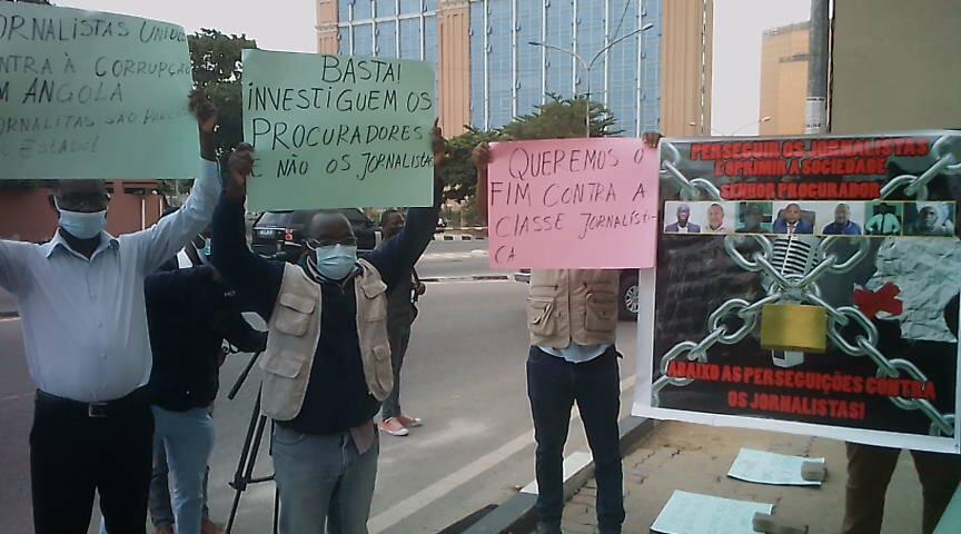 Marcha de jornalistas junto à Procuradoria-Geral da República