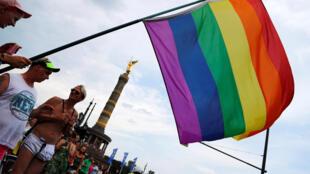 Una bandera del arcoíris en la marcha el Orgullo Gay en Berlín el pasado 22 dejulio de 2017