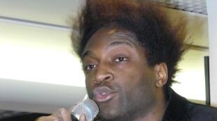 Le rappeur et humoriste Kamini.