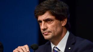 Le ministre des Finances Hernan Lacunza lors de sa conférence de presse à Buenos Aires, le 28 août 2019 demandant un rééchelonnement du FMI.