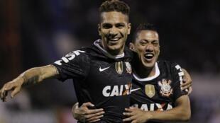 Ralf e Paolo Guerrero, heróis do Mundial de 2012 do Corinthians