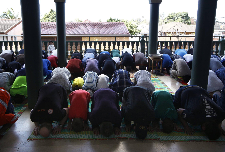 Muçulmanos da Mesquita de Gallipoli, no subúrbios de Sydney, dizem sofrer perseguição.