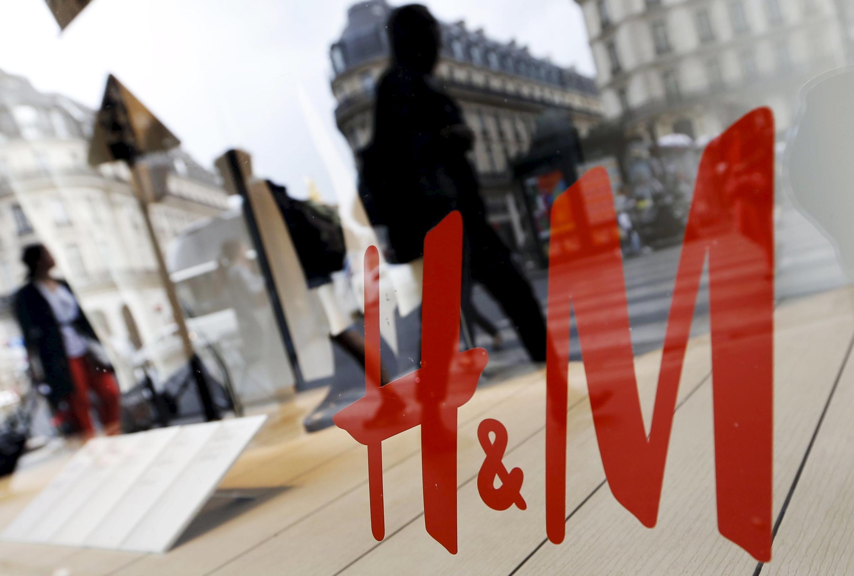 H&M a dû s'excuser pour une série de tweets envoyés par des représentants de la marque et qui ont heurté la sensibilité de nombreux internautes, notamment parmi les Noirs d'Afrique du Sud.