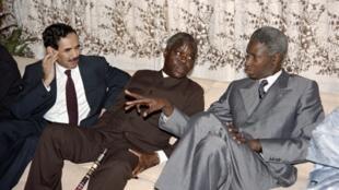 Ouagadougou, Burkina Faso. Sommet de la CEDEAO du 29 juin 1989. De g.à dr., les présidents Maaouiya Ould Taya (Mauritanie), Mathieu Kérékou (Bénin) et Abdou Diouf (Sénégal).