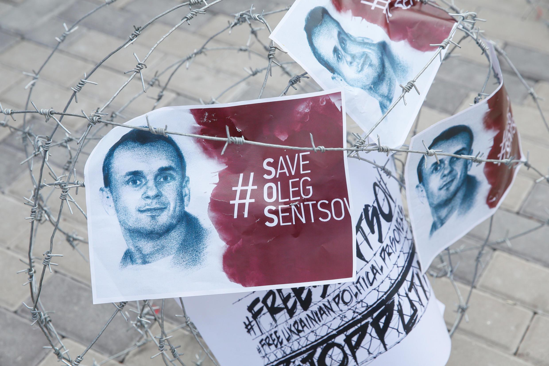 У посольства РФ в Киеве 21 августа 2018: сотый день голодовки Олега Сенцова