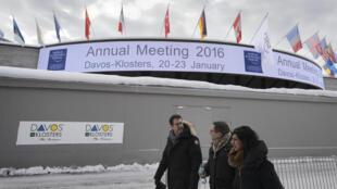 """Fórum Económico de Davos, na Suíça, debate """"Quarta Revolução Industrial"""""""