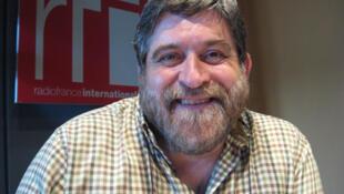 Lisardo Lombardía en RFI.