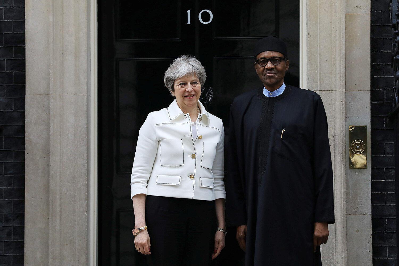 Firaministar Birtaniya Theresa May tare da shugaban Najeriya Muhammadu Buhari a birnin Landan