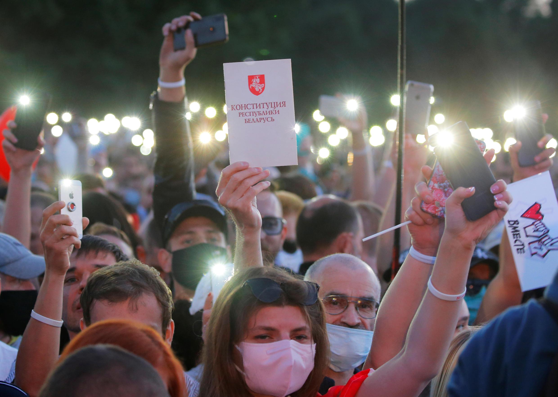 Митинг-концерт в поддержку кандидата в президенты Беларуси Светланы Тихановской в Минске 30 июля 2020.
