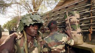 Soldats sénégalais à côté de Dakar.