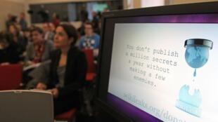 Un écran d'ordinateur affichant le logo de l'organisation WikiLeaks (image d'illustration).