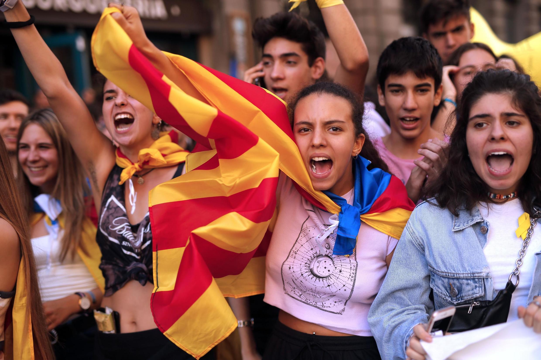 Des étudiants manifestent le 17 octobre 2019 à Barcelone.