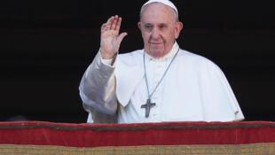 El papa Francisco desde la Plaza San Pedro, en Roma.