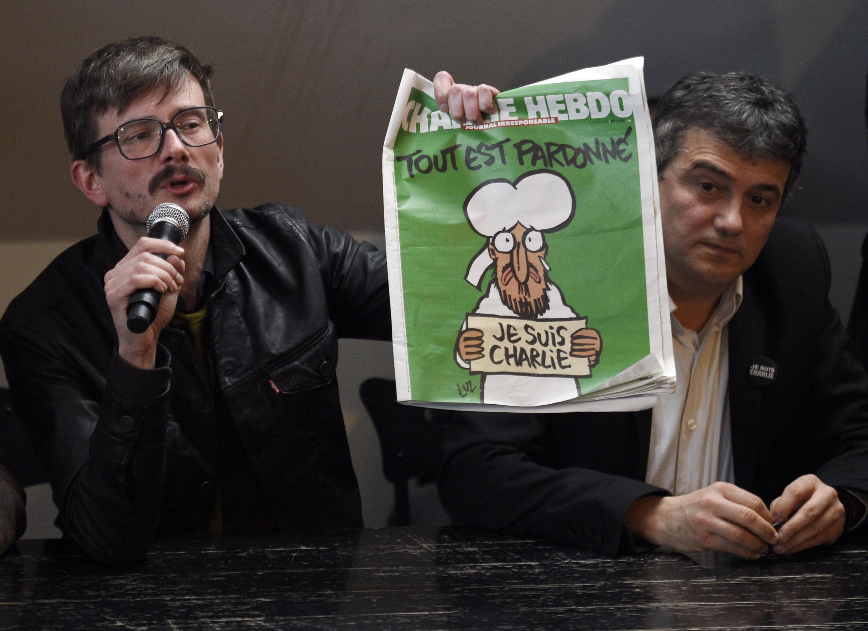 13 января 2015 года. Люз представляет обложку первого номера, вышедшего после теракта