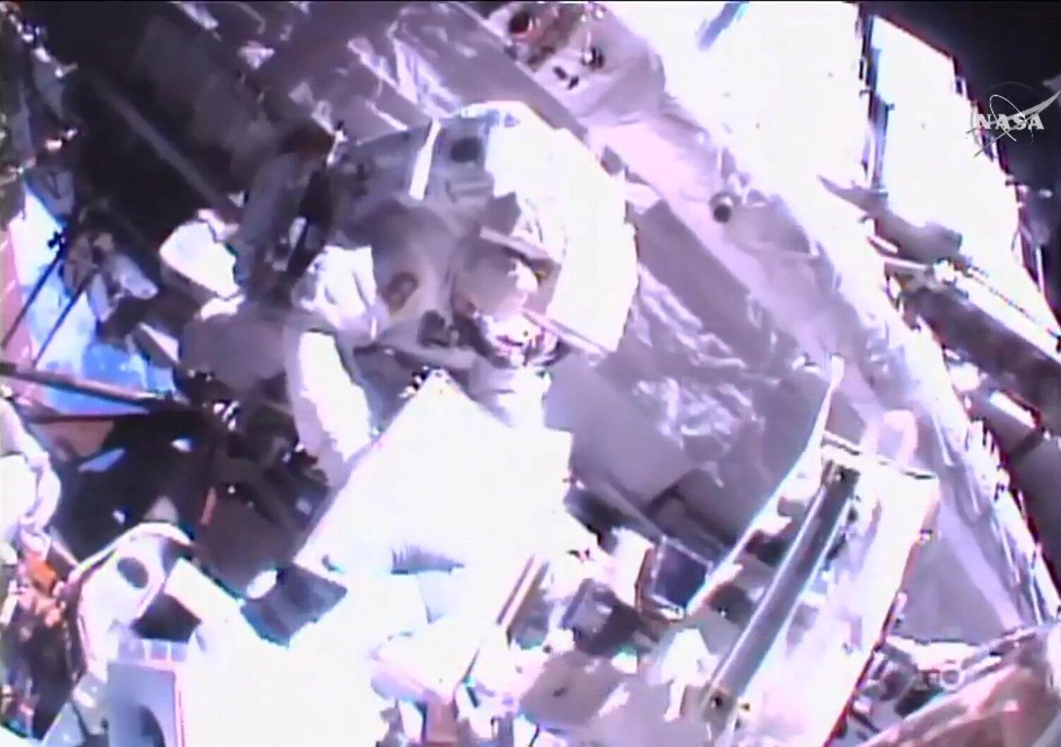 Shane Kimbrough and Thomas Pesquet sont sortie dans l'espace, ce 13 janvier 2017.