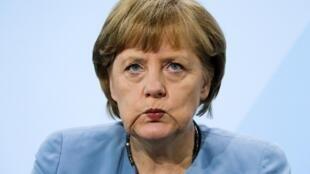 A chanceler alemã Angela Merkel quer que pacto fiscal europeu seja aprovado pelo parlamento alemão antes das férias de verão na Europa.