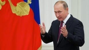 Владимир Путин должен принять участие в открытии российского духовно-культурного центра на набережной Бранли в Париже.