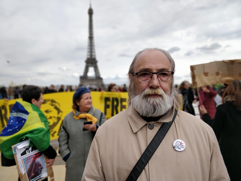 O representante do Partido Comunista Francês, Jean Pierre Pinot