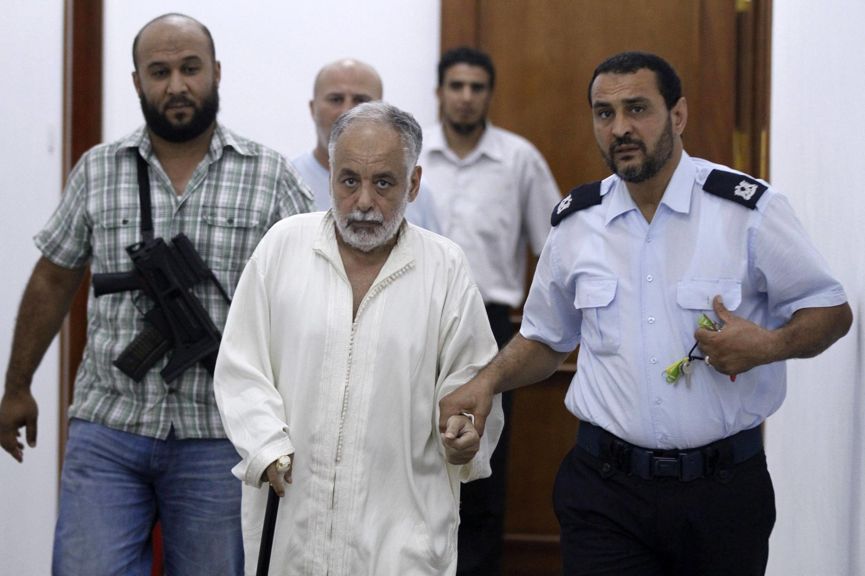 Al-Baghadi al-Mahmoudi à son arrivée à la prison de Tripoli le 24 juin 2012.