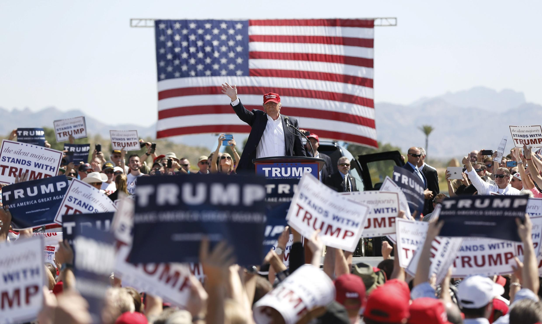 O candidato republicano Donald Trump durante comício de campanha eleitoral em Fountain Hills, Arizona, no dia 19 de março de 2016.