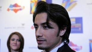 L'acteur et chanteur pakistanais Ali Zafar est accusé par plusieurs femmes, dont une actrice célèbre, d'harcèlement sexuel.