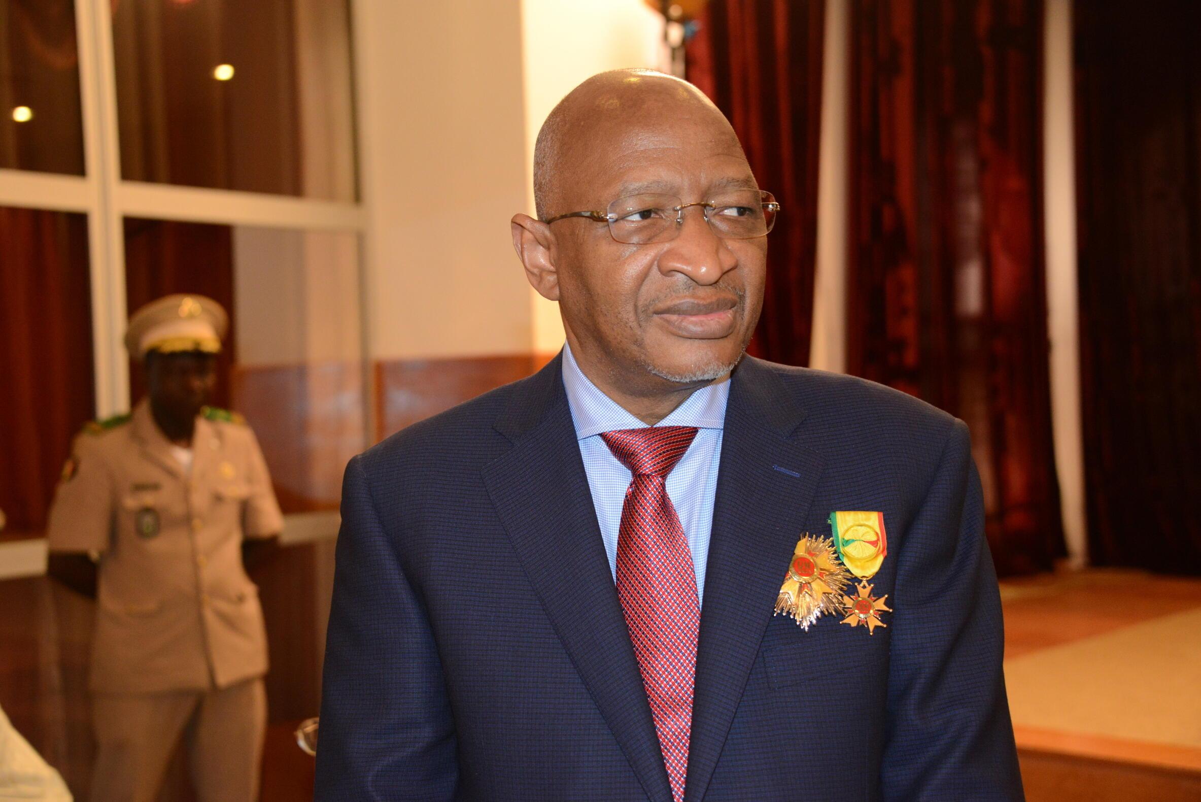 Soumeylou Boubèye Maïga, le nouveau Premier ministre malien, le 29 décembre 2017 lors d'une cérémonie de décoration à Koulouba.