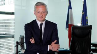 Le ministre de l'Economie, Bruno Le Maire, dans son bureau au ministère des Finances à Bercy, Paris, le 1er juin 2017.