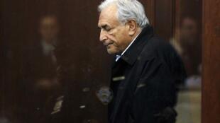 Dominique Strauss-Kahn se demitiu do cargo de diretor-geral do FMI.
