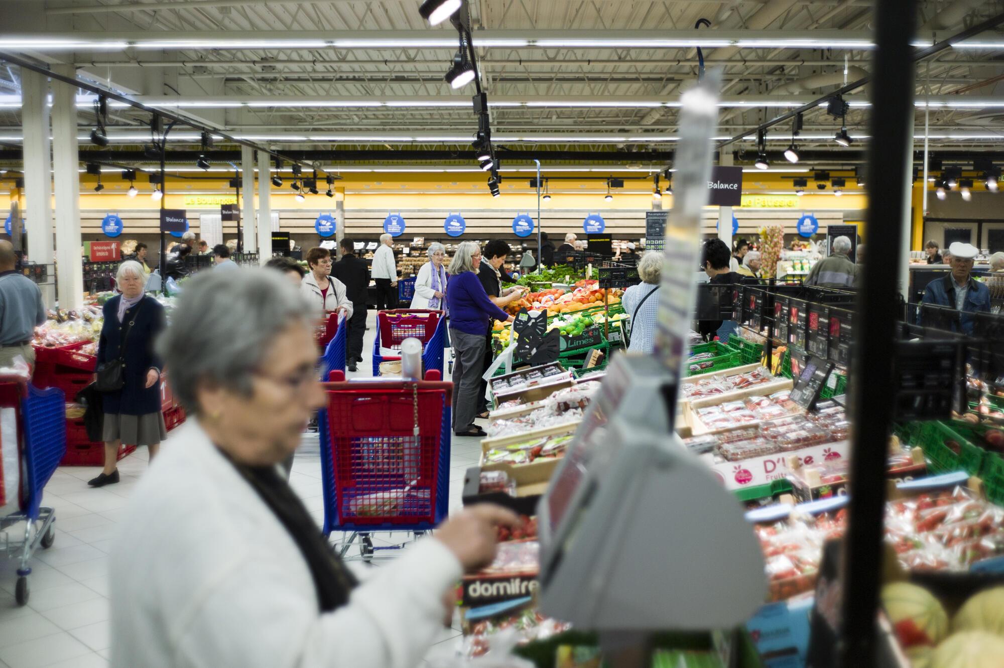 Supermercado Carrefour em Sainte-Geneviève-des-Bois.
