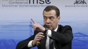 Waziri Mkuu wa Urusi Dmitry Medvedev aionya Marekani kufuatia vikwazo vipya dhidi ya Moscow.