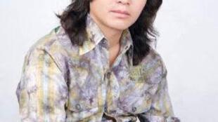 西藏歌手格桑亚培