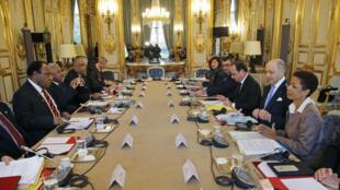 Grande table ronde pour le sommet France - Océanie ce jeudi 26 novembre à l'Elysée, en prélude à la COP21.