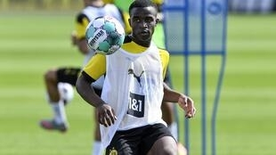 L'attaquant Youssoufa Moukoko à l'entraînement avec le Borussia Dortmund, le 3 août 2020.