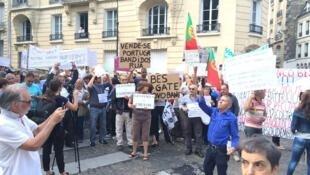 Manifestação dos emigrantes lesados em Paris 27/06/16