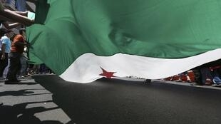 La crise syrienne se propage au Liban. Ici, une manifestation de soutien aux rebelles syriens à Beyrouth le 10 août 2012.
