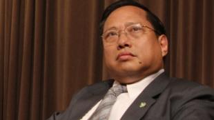 图为香港支联会主席何俊仁