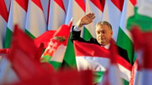 El Primer ministro de Hungría, Viktor Orban, en cierre de campaña de las legislativas del 8 de abril en las que aspira a un tercer mandato consecutivo.