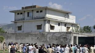 Nyumba ambayo Ben Laden muasisi wa mtandao wa alqaeda alimokuwa anaeshi kabla ya kifo chake mei 2 mwaka 2011, ambayo imeanza kubomolewa na serikali ya Pakistani tangu mwezi februari 2012.