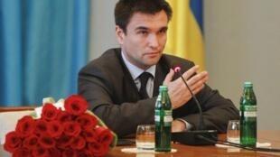 Глава МИД Украины Павел Климкин заявил, что французским парламентариям, побывавшим в Крыму, закроют доступ на территорию Украины