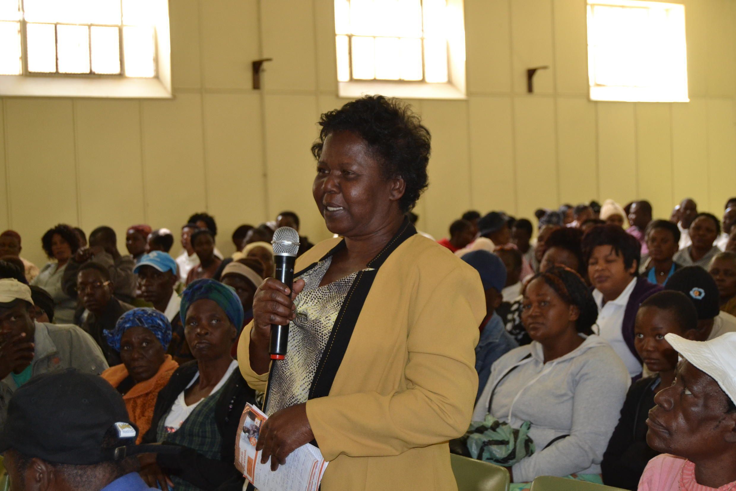 An informal trader at the ZCIEA Bulawayo town hall asks political candidates about the issues of spot fines and harassment of vendors.