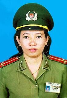 Bà Tạ Phong Tần (DR)