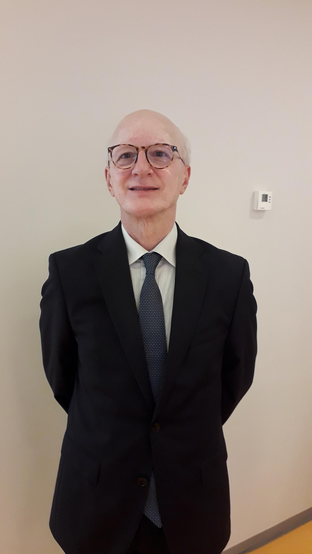Dr. Carlos Arieta coordenador serviço oftalmologico da UNICAMP