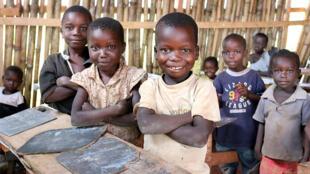 Crianças em abrigo para refugiados na República Centrafricana
