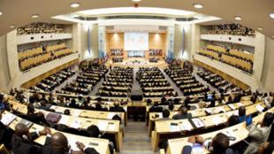 La Convention internationale qui a pour but de faire valoir le droit des travailleurs domestiques dans le monde, a été approuvée lors de la 100e conférence de l'OIT.
