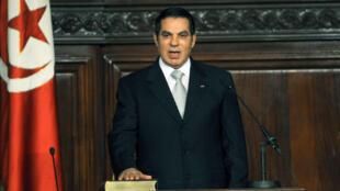 Zine el-Abidine Ben Ali prête serment, le 12 novembre 2009, devant le Parlement tunisien.