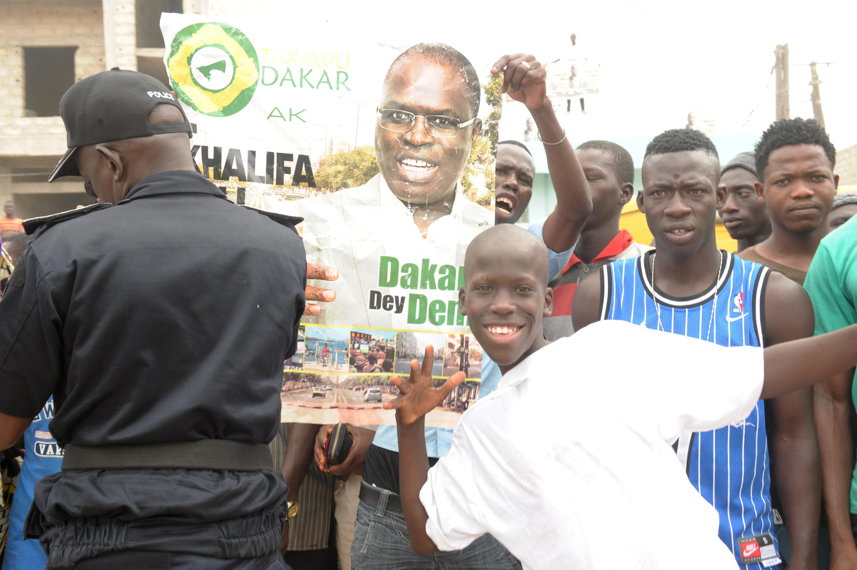 Des supporters du maire sortant de Dakar, Khalifa Sall, lors du scrutin local du 29 juin 2014.