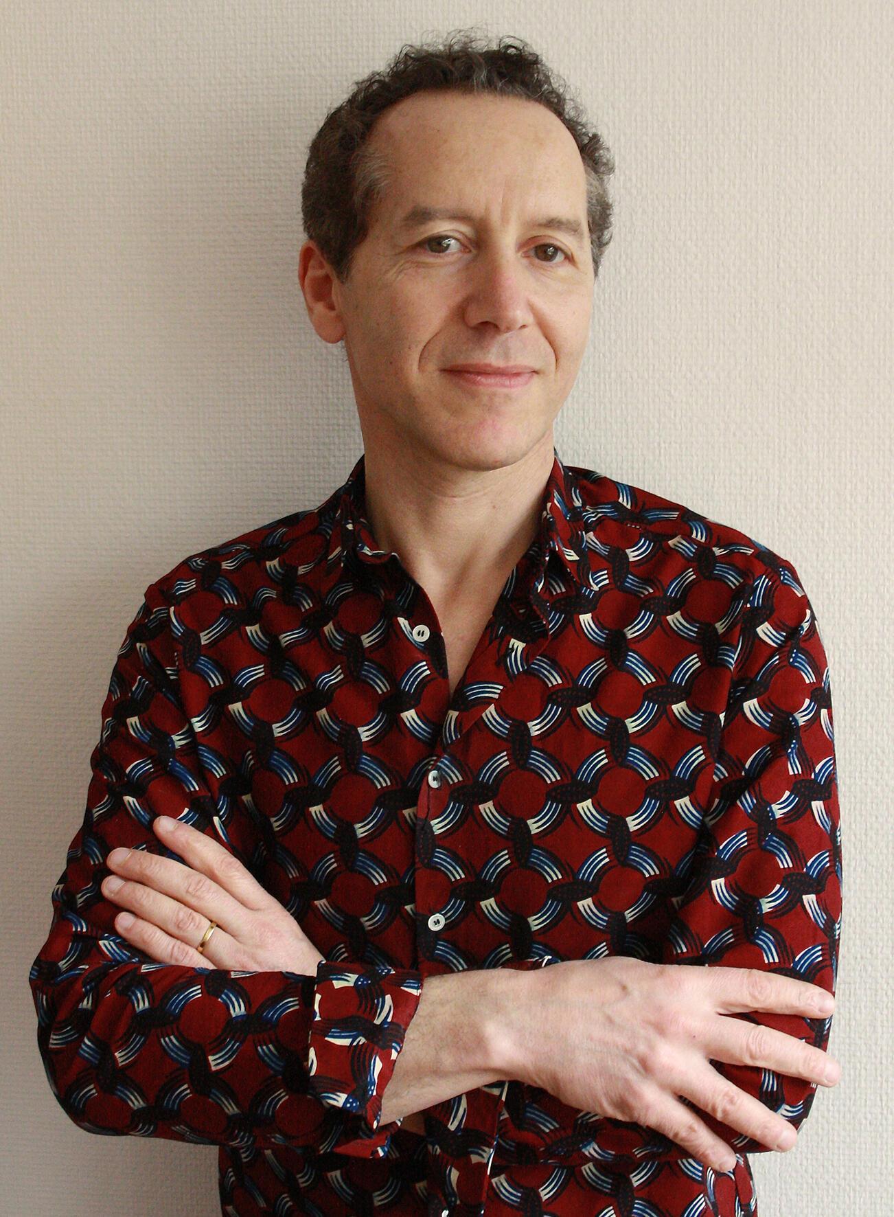 Portrait du journaliste et écrivain Olivier Rogez, à l'occasion de la parution de son roman «L'ivresse du sergent Dida», paru aux éditions Le Passage.